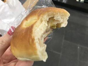 ソウルで 乗り換え時に パンをゲット